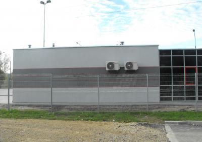 budynek strażnika od strony dojazdowej