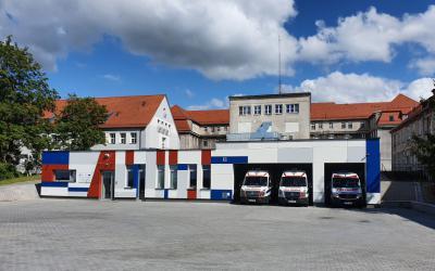budynek od strony frontowej (2)
